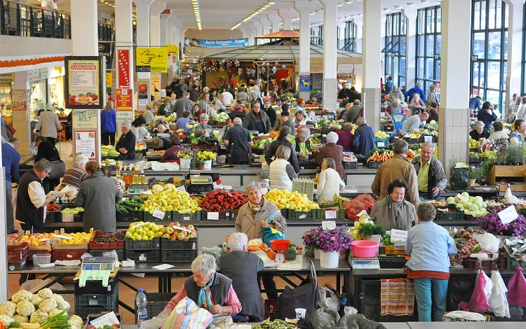 Pályázat a városi piac üzlethelyiségeire és őstermelői asztalokra